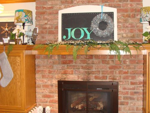 Christmas 2011 mantle - 2