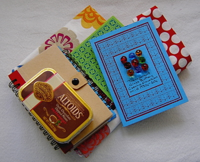 Vintage_button_exchange_package_pic